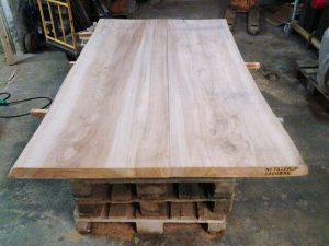 Plankeborde og planker til gør-det-selvprojektet af eg, lind, douglasgran mv.