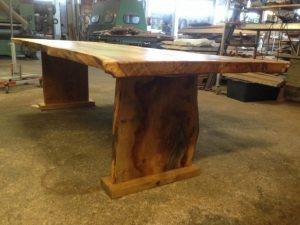 Egetræsbord plankeborde
