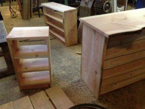 rustikke møbler i træ