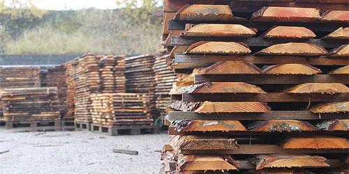 Oppindede brædder af træ